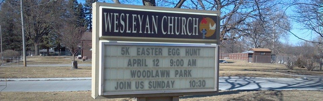 5,000 Easter Egg Hunt Sign
